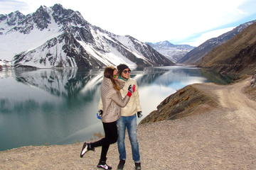Private Andes Day Trip El Yeso Lagoon...