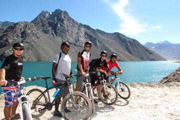 Small-Group Mountain Bike Tour to El Yeso Reservoir and Maipo Valley