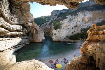 Excursión para grupos pequeños: 6 islas, Cueva azul con almuerzo y...