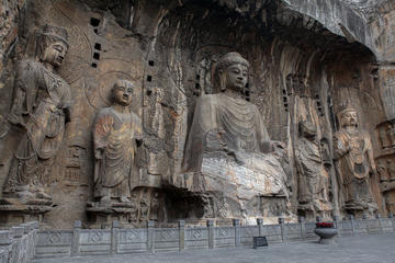 Luoyang Classic Day Trip of Longmen Grottoes and White Horse Temple