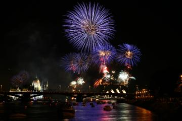 St. Stephen's Day Fireworks Dinner Cruise with Piano Show and Sightseeing