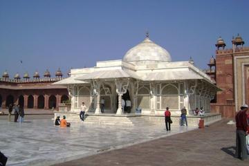 Fatehpur Sikri Guided Tour beyond routine