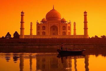 Luxury Taj Mahal Family Tour from Kolkata