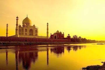 Romance of Taj Mahal Sunrise Tour with A Professional Photographer