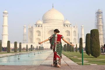 Same Day Taj Mahal Tour from Delhi in Traditional Indian Attire