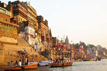 Sunrise Varanasi Boat Tour With on Board Music