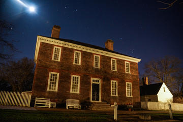 Book Small-Group Tour: Ultimate Williamsburg Ghost Tour on Viator