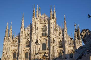 Excursão a pé pelo Castello Sforzesco, Domo de Milão e Capela de Ossos