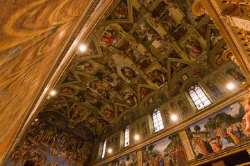 Recorrido por el Vaticano con entrada a primera hora y la Capilla...