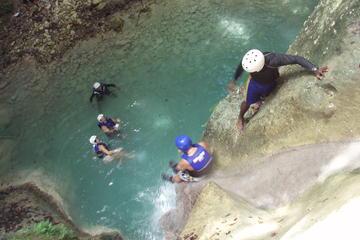 Die 27 Wasserfälle von Damajagua ab...