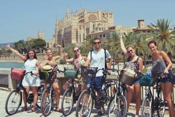 Recorrido en bicicleta por el castillo de Bellver y el casco antiguo...