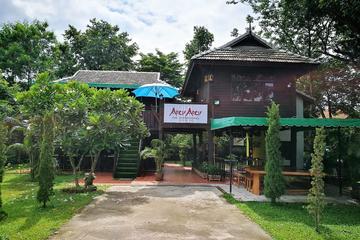 アロイアロイ タイ料理クラスとマーケット ツアー