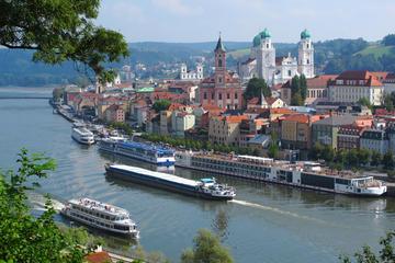 Traslado privado para Passau saindo de Praga com parada opcional em...
