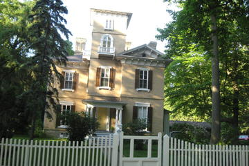 Private Walking Tour of Niagara-on-the-Lake Historic District