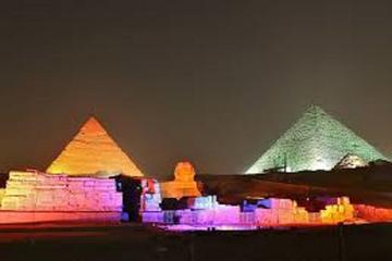 Espectáculo de luz y sonido en las pirámides y la esfinge con...