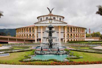 Tour privado en el Parque Jaime Duque desde Bogotá