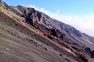 Viagem de dia inteiro no Etna