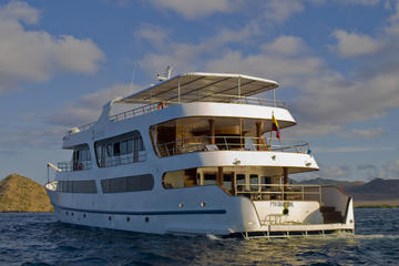 6-Day Galapagos Islands Luxury Cruise