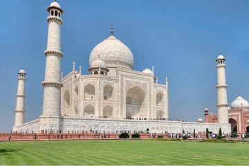 Escapada privada de un día de Agra, incluido el Taj Mahal y el Fuerte...