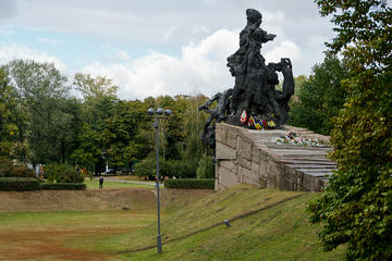 Jewish History of Kiev including Babi Yar Memorial Private Tour