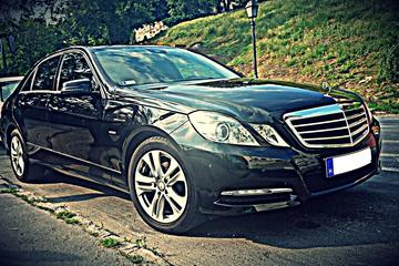 Budapest to Vienna Private Transfer in a Luxury Car