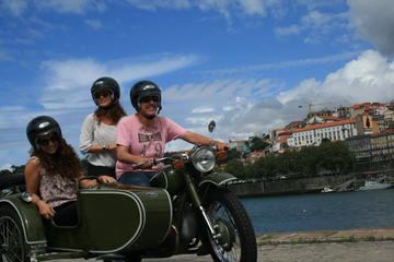 Tour im Beiwagen – die wichtigsten Sehenswürdigkeiten von Porto