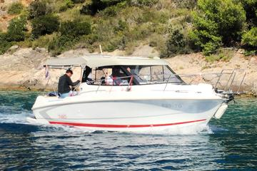 Split Airport to Hvar Island: One-Way Private Water Transfer in Speedboat