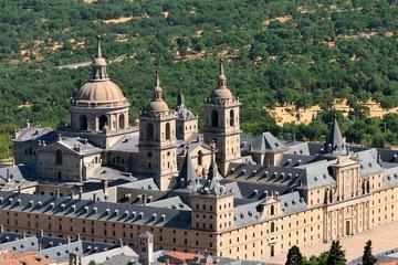 Recorrido de un día por El Escorial, el Valle de los Caídos y Toledo...