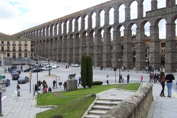 Segovia and Shopping Las Rozas Day Tour from Madrid