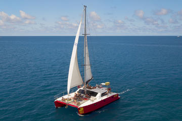 2-Night Whitsunday Islands All-Inclusive Sailing Tour from Airlie Beach