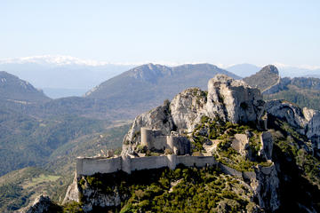 35 Minutes Cathar Castles Tour by...