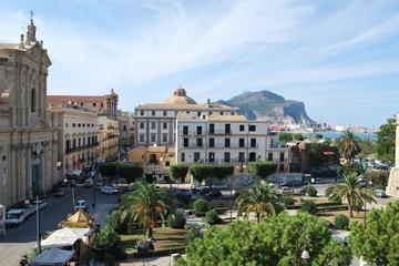 Private Small-Group Walking Tour of Palermo's Kalsa District