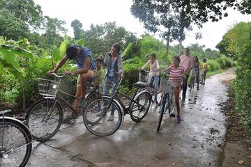 Thuy Bieu Day Trip by Bicycle from Hue City