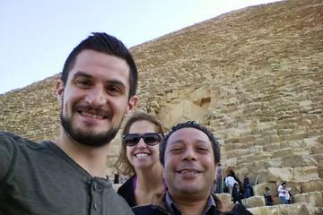 Recorrido privado de un día completo por las pirámides de Guiza y el...