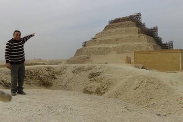 Recorrido privado guiado de día completo a las pirámides de Guiza...
