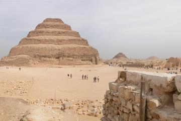 Recorrido turístico privado de medio día por Saqqara y Menfis desde...