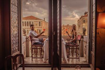 Paseo en góndola y cena de gala en un palacio veneciano