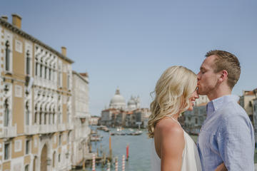 Private Photo Shoot in Venice with Gondola Ride