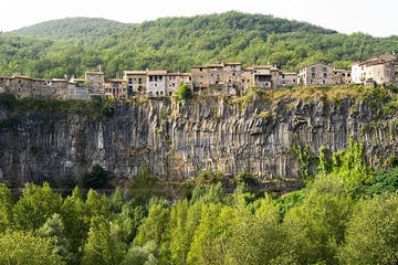 Medieval Towns of Catalonia from Barcelona