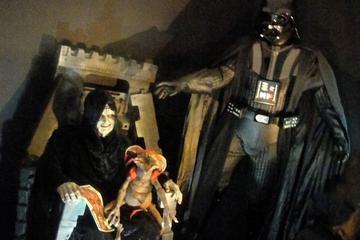 Tour van Yoda Guy Movie Exhibit in ...