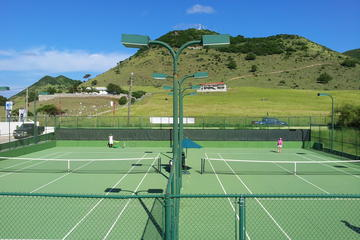 St Martin Daytime Tennis Court Rental