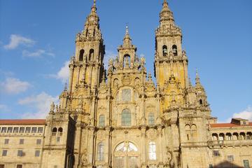 Ganztägige Tour nach Santiago de Compostela und Viana do Castelo ab...