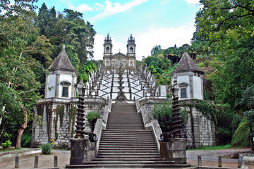 Viagem diurna para grupos pequenos até Braga e Guimarães saindo do...