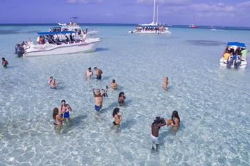 Excursión a la Isla Saona en catamarán o lancha motora
