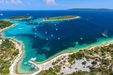 Private Full-Day Croatian Islands Boat Tour from Trogir