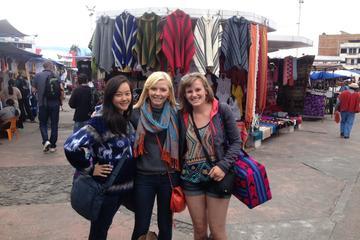 Recorrido de día completo por el mercado de Otavalo y la Laguna de...