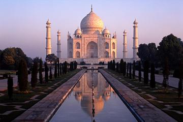 Agra Taj Mahal at Sunrise Day-Tour from Delhi