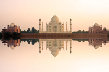 Delhi, Agra, Jaipur 3-Day Golden Triangle Tour from Kolkata with one-way Flight
