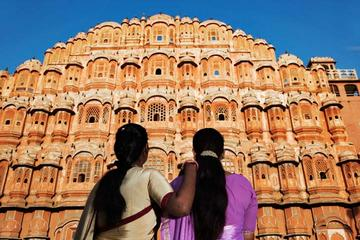 Private 2-Day Tour to Jaipur from Delhi by Car with Amber Fort and City Palace