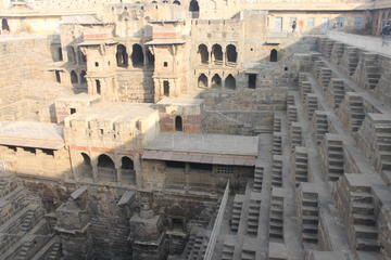 Private Day-Trip to Chand Baori Stepwell from Jaipur Including City Palace visit